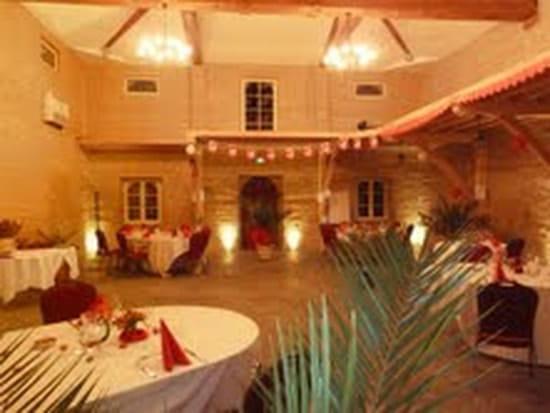 Taverne de Lacaze  - Salle de réception -   © patricia