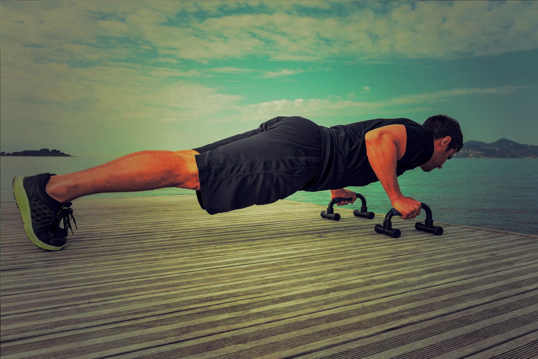 Triceps: les exercices pour se muscler les bras