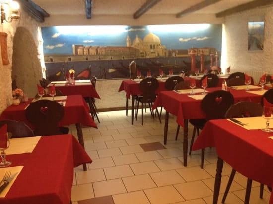 Pizzeria o Napoli  - La salle  -   © Fonti Francesca