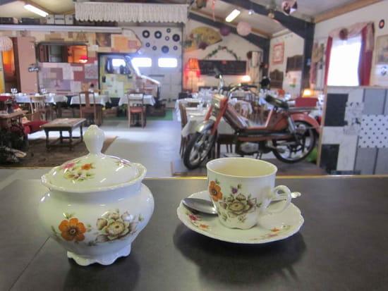 Restaurant : L'Entre Pot  - La salle vue du bar -   © L'Entre Pot