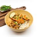 Plat : Thai at Home  - Pad Thaï (Nouilles Traditionnelles) poulet, boeuf ou crevettes -   © thai at home