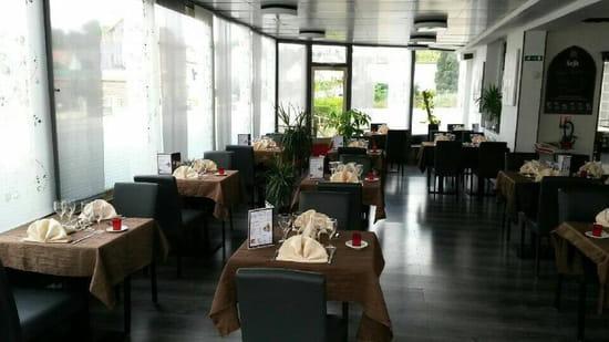 Restaurant : Le Rallye d'Airaines  - Salle endimanchée -