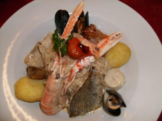 La Malicette Restaurant , Chambres et Gîte à Louer  - choucroute de la mer -