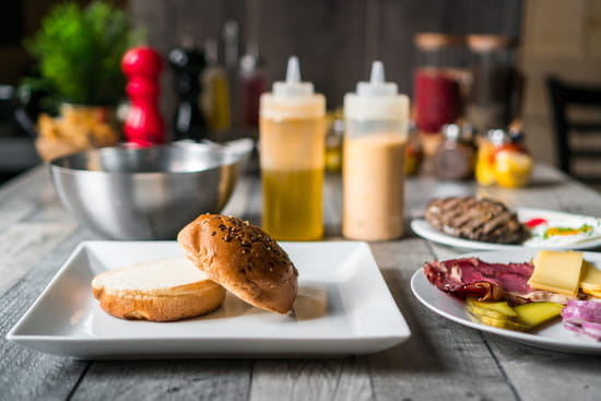 Restaurant : The Ranch  - bar à viandes bio halal velizy -   © The Ranch