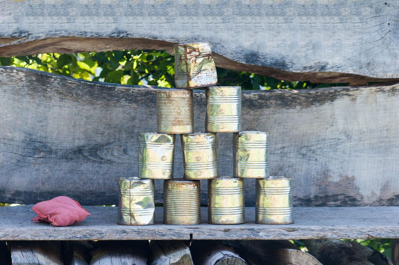Comment Décorer Des Boites De Conserve comment fabriquer soi-même un chamboule-tout