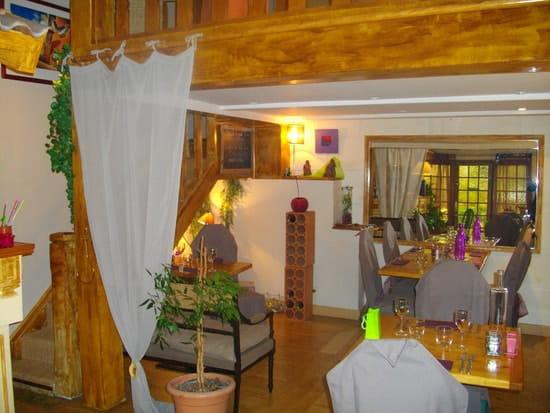 Restaurant la Cigale  - la salle et ses nouvelles couleurs -   © jolivet