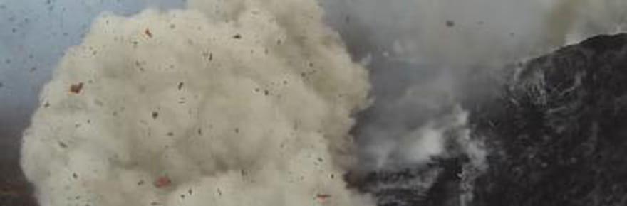 Un drone au coeur d'une éruption volcanique