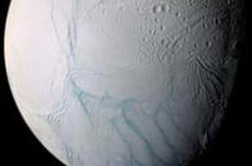 Le pôle Sud d'Encelade génère 2,6 fois plus de chaleur que le Parc national de Yellowstone