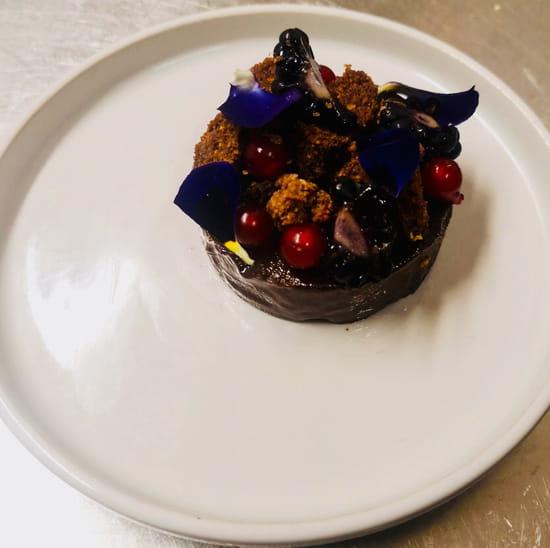 Dessert : Numéro 23 Bistrot à vin  - Chocolat fruits rouges -   © ORHON Pierre