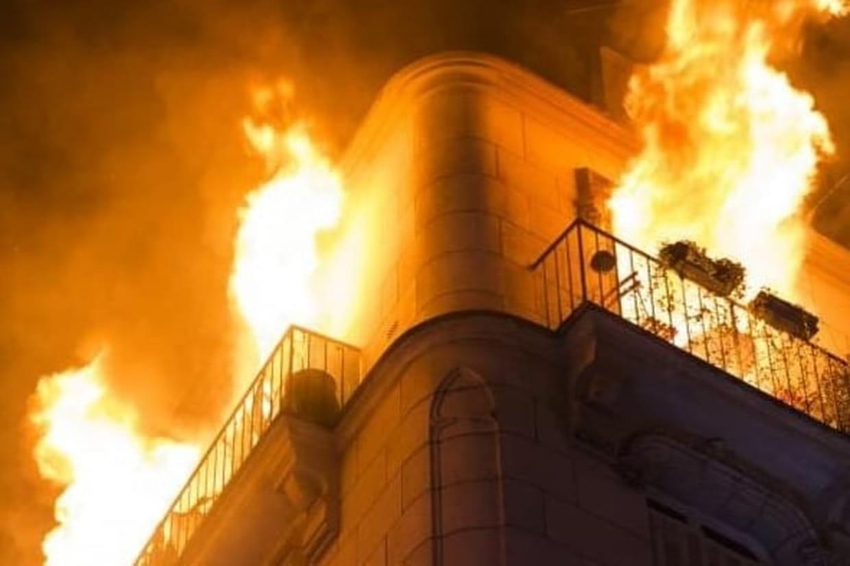 Trois blessés dans un impressionnant incendie — Paris