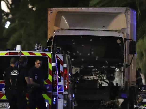 Attentat de Nice: les photos du chaos après l'attaque du 14juillet