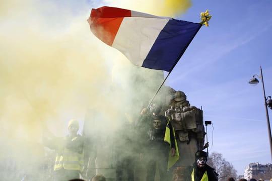 Manifs des gilets jaunes: violences, blessés à Rouen, Finkielkraut insulté... Ce qu'on sait de l'acte 14