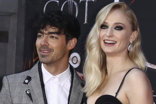 Joe Jonas et Sophie Turner: le mystère autour de la naissance de leur bébé