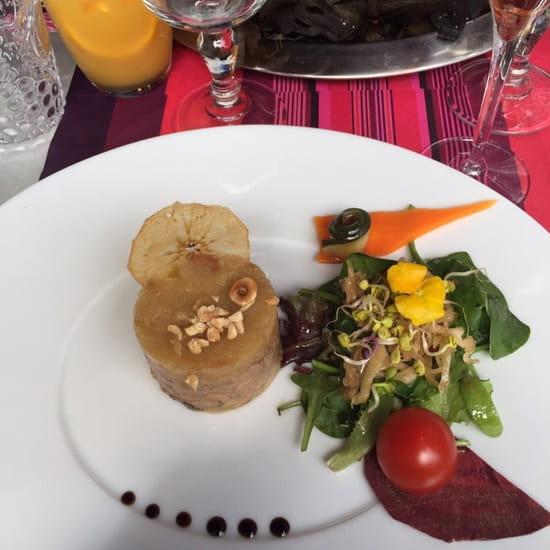 Entrée : LE BICORNE  - Foie gras et sa compote de pomme -