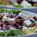 Plat : Au fil de saisons  - Salade épeautre,feta,betr.rouges,grenade,noix -   © Zdebski