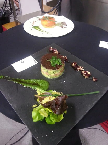 """Tables et Comptoir  - Démonstration de cuisine, salon de la Gastronomie 2013 """" Tartare de Saumon bio..."""" -   © Tables et Comptoir Toulon"""