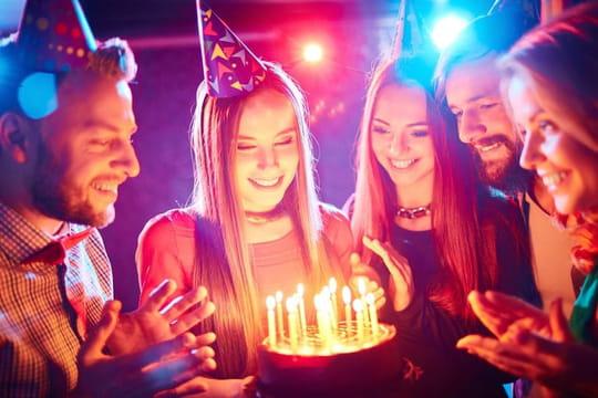 Message d'anniversaire: modèles de textes, messages, petits mots, lettre pour le souhaiter