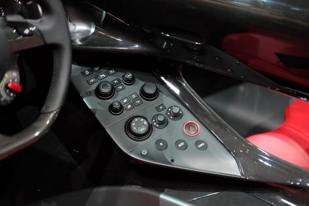 Découvrez les fonctionnalités de cette Ferrari Monza