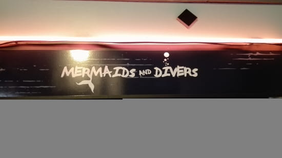 , Entrée : Mermaids and Divers   © oui
