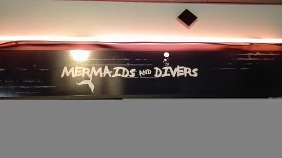 Entrée : Mermaids and Divers   © oui