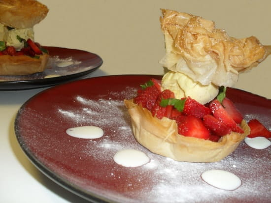 La Grange Gourmande , Restaurant  - Cave à Vins  - Corolle de fraises  -