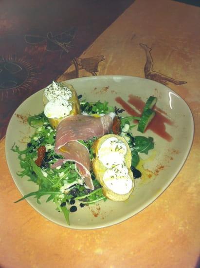 Restaurant des Arènes  - Salade de fondant de chèvre a l'huile d'olive des baux de Provence -   © Thierry jollans