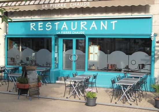 La Pierre Chaude  - restaurant vue de l'avenue -   © rosiere eric