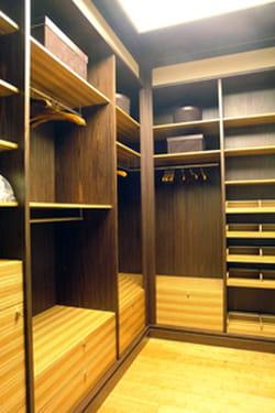 construire un dressing nos conseils pratiques. Black Bedroom Furniture Sets. Home Design Ideas