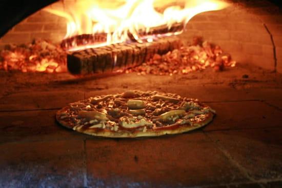 Dell' Pizz  - pizzas au feu de bois -   © giambrone christophe