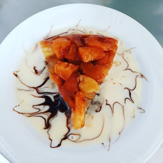 Dessert : Café des Sports  - Tarte aux pommes caramélisées -   © THONYIMANE