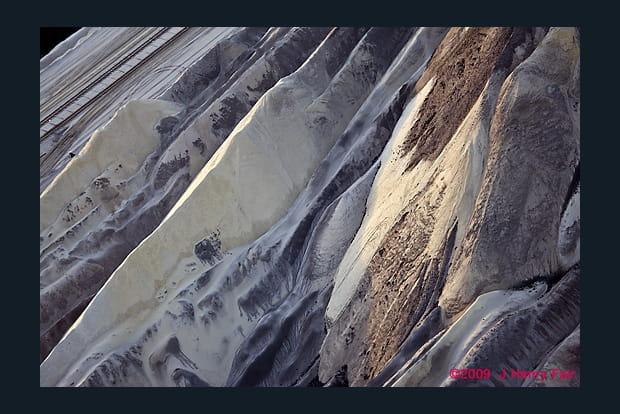 Des tonnes de cendres