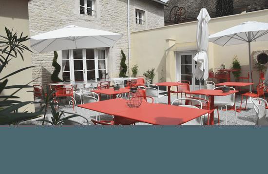 Olivier Leflaive - Le Restaurant  - Patio -   © OLeflaive