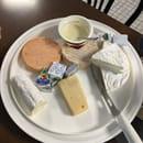 Fromage : A La Réunion des Amis  - Plateau de fromages -   © Copieux