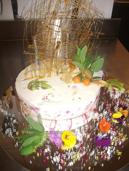 La Petite Auberge  - framboisier au chocolat blanc -