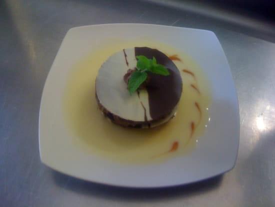 Le Menestrel  - Feuillantine chocolat blanc et noir avec mousse choco cannelle -