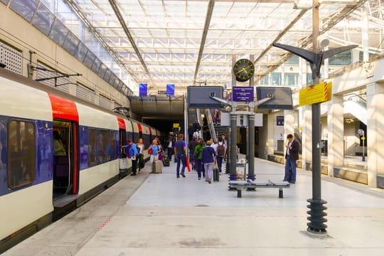 RER B: trafic suspendu, comment vous rendre à Roissy et à Orly?