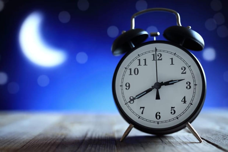 Changement d 39 heure date de l 39 heure d 39 hiver 2017 et conseils sommeil - Changement heure hiver 2017 france ...