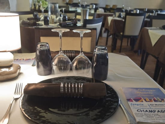 Auberge Fleurie  - Table intérieure -