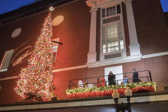 Confinement: un allègement en 3étapes et un déconfinement le 15décembre pour Noël?