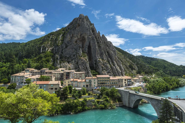 Sisteron la citadelle for Beau village autour de toulouse