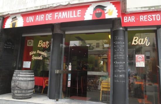 Un Air de Famille  - Un Air de Famille de l'extérieur -   © ASF