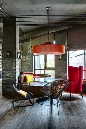 enlever la poussi re d 39 un abat jour. Black Bedroom Furniture Sets. Home Design Ideas