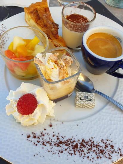 Dessert : La Petite École  - Café gourmand -   © La Petite École