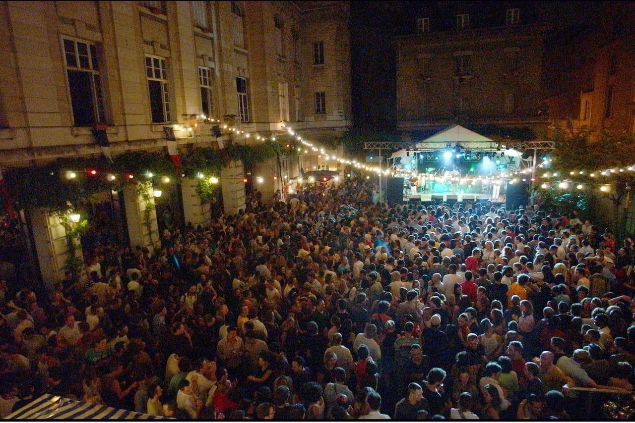 14juillet: programme des bals et défilé à Paris, Lille, Lyon,Toulouse