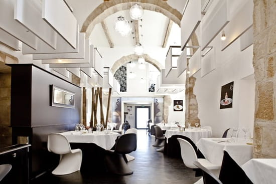 La Table Lionel GIRAUD  - Salle de restaurant- Organisation d'événements particuliers (anniversaire, mariage...) -   © Marie France Nélaton