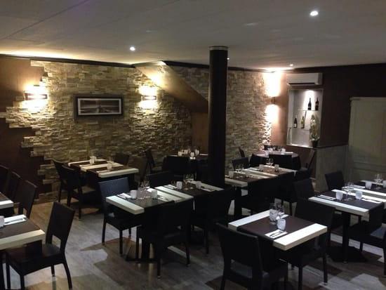 Le Pousse Pied  - La salle du restaurant -   © Le Pousse Pied