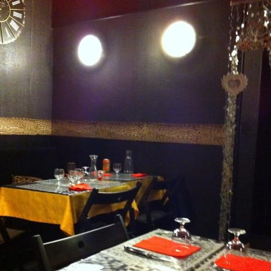 Restaurant : La fille d'Easington  - Décoration à l'anglaise pour une pizzeria  -