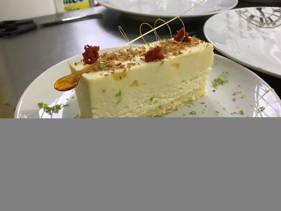 Dessert : Le relais de poste  - entremet exotique -   © LRDP 18250