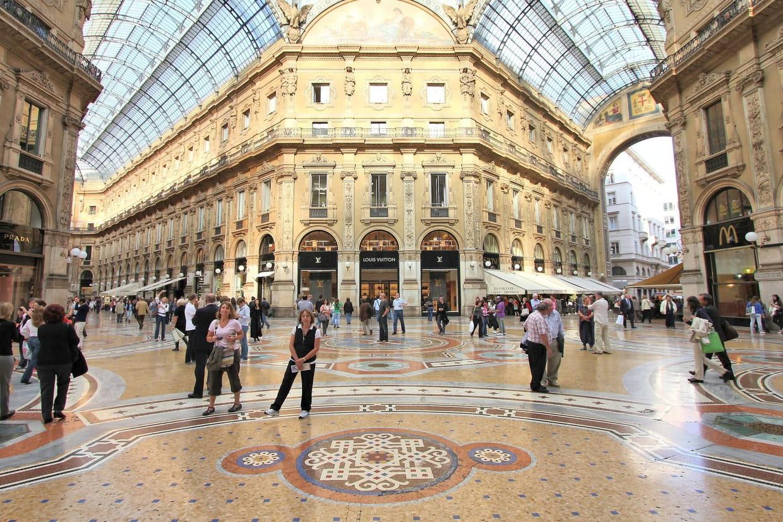 Carte Bonne Fete En Italien.Soldes En Italie Dates 2019 Ou Faire Son Shopping Infos Pratiques