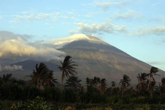Volcan à Bali: quels dangers et quels sites menacés? [LES IMAGES]